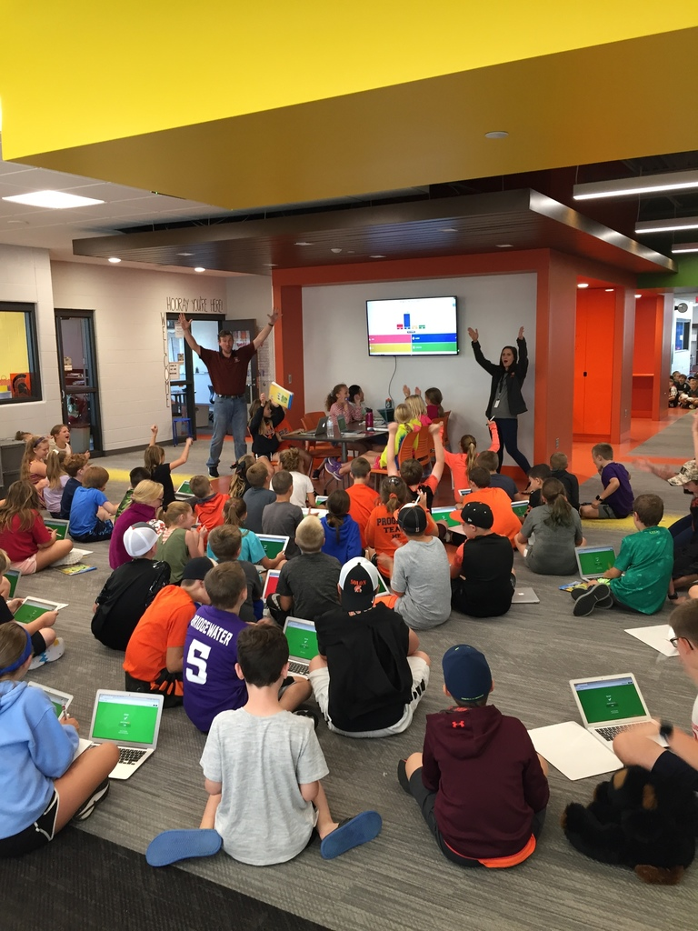 Solon 5th grade students assessing math skills on Kahoot